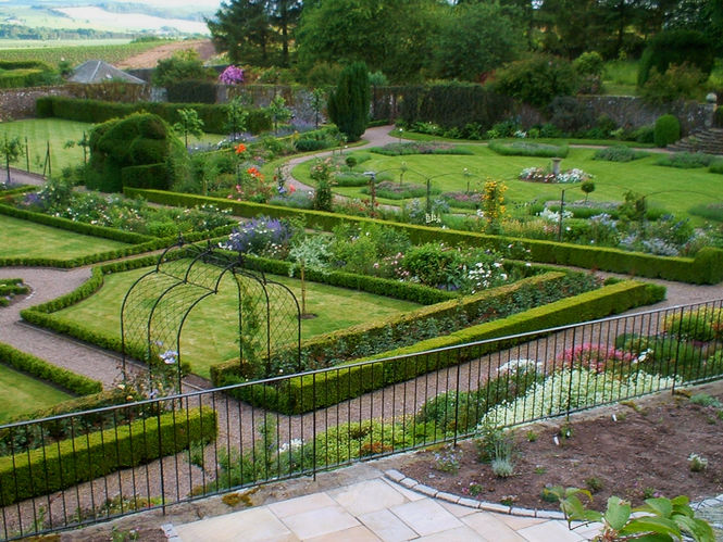 The gardens at Craigfoodie, Fife