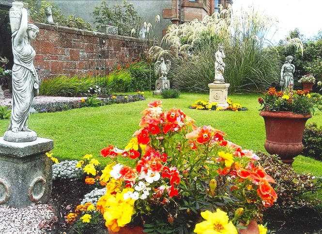 Whitewin House Garden, Ayrshire Virtual Visit in May