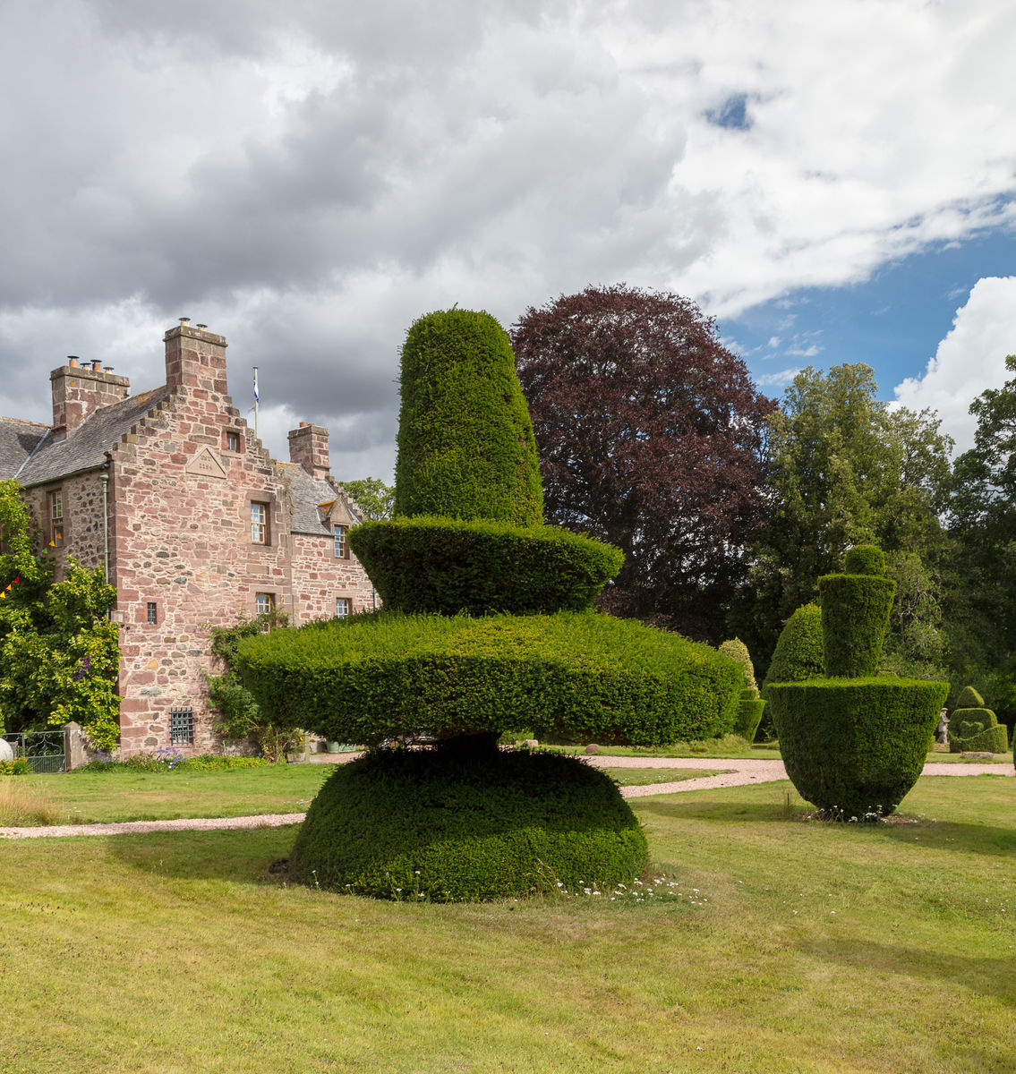 Topiary, Fingask Castle